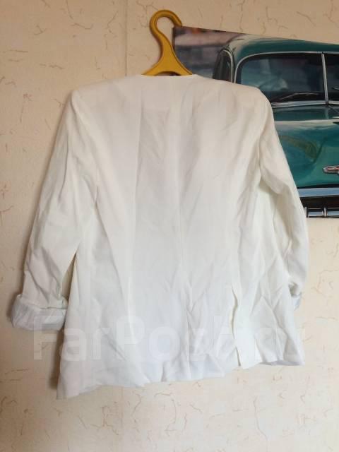 Пиджаки и жакеты. 42