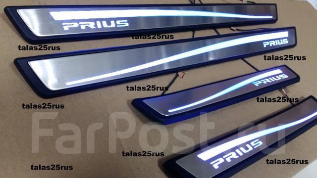 Порог пластиковый. Toyota Prius, ZVW35, ZVW30L, ZVW30