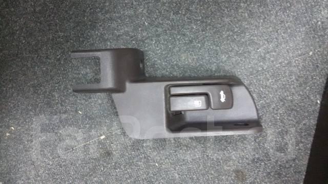 Кнопка открывания багажника. Toyota Mark II, JZX90, JZX90E