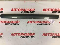Накладка крышки багажника Toyota Avensis (T270)