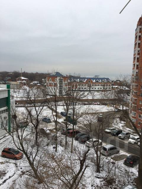 2-комнатная, улица Полетаева 6. Седанка, агентство, 72 кв.м. Вид из окна днем