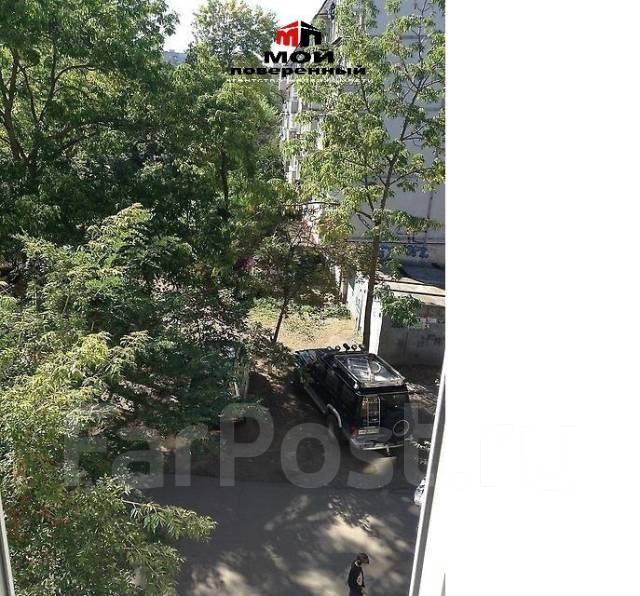 2-комнатная, улица Багратиона 6. Вторая речка, агентство, 43 кв.м. Вид из окна днём