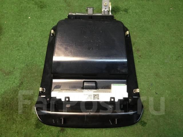 Консоль панели приборов. Subaru Forester, SG5, SG9 Двигатели: EJ203, EJ205, EJ255