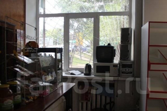 Продается помещение общей площадью 68,6 кв. м. Центр. За м-н Юлия.5100000. Улица Кирова 1, р-н центр, 68 кв.м. Вид из окна