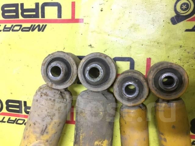 Отбойник амортизатора. Mitsubishi Pajero, V83W, V93W, V63W, V73W, V60, V65W, V88W, V75W, V78W, V97W, V77W, V98W, V68W, V80