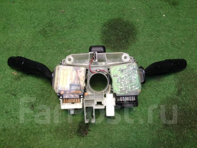 Блок подрулевых переключателей. Subaru Forester, SG5, SG9 Двигатели: EJ203, EJ202, EJ205, EJ255