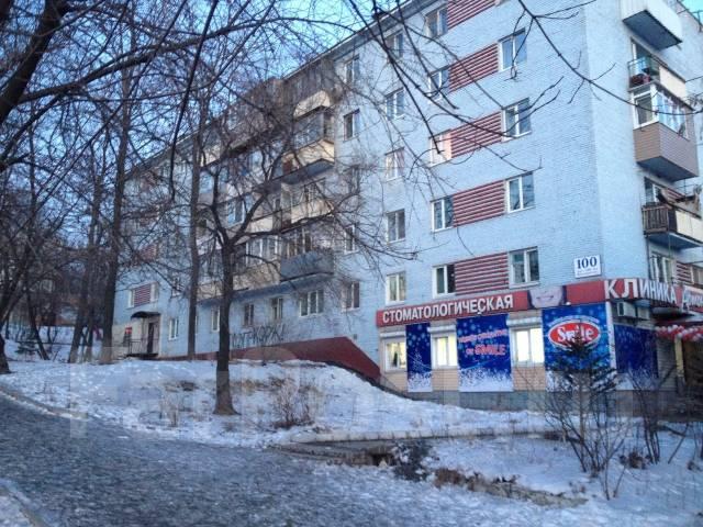 3-комнатная, проспект 100-летия Владивостока 100. Вторая речка, частное лицо, 60 кв.м. Дом снаружи