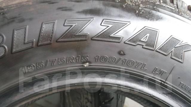 Bridgestone Blizzak W979, 195/75 R15 LT. Зимние, без шипов, 2015 год, износ: 30%, 2 шт