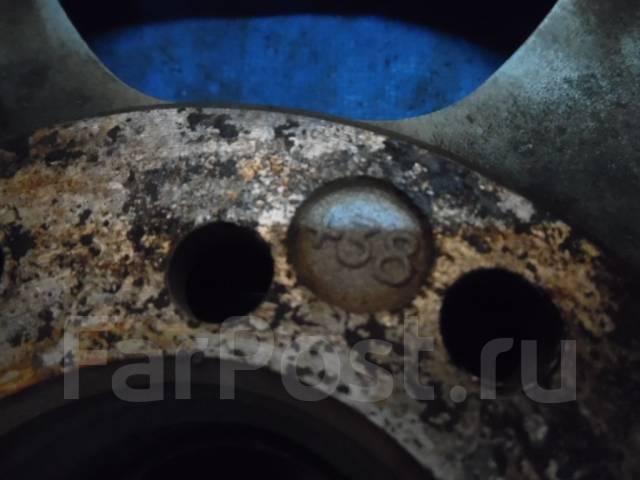 Шины зимние Yakohama 185/70 R14 с дисками 114.30x5. 6.0x15 5x110.00, 5x114.30 ET38
