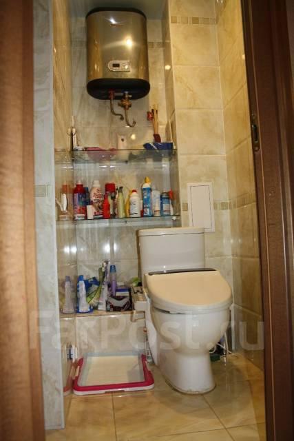 3-комнатная, улица Адмирала Горшкова 22. Снеговая падь, частное лицо, 64 кв.м. Сан. узел