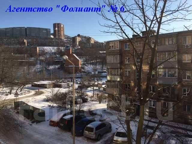 1-комнатная, улица Адмирала Юмашева 16а. Баляева, проверенное агентство, 31 кв.м. Вид из окна днём