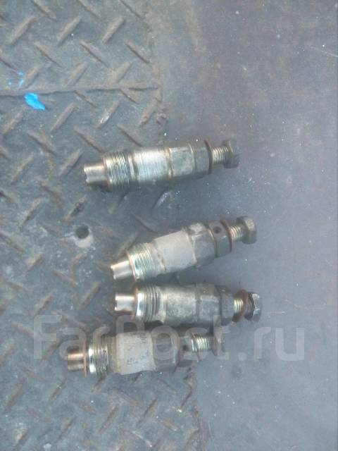 Инжектор. Nissan Vanette Двигатель LD20