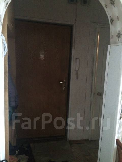 3-комнатная, улица Гамарника 7. БАМ, частное лицо, 61 кв.м. Прихожая