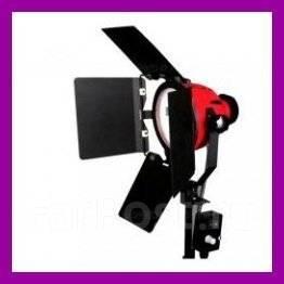 Галогеновый прожектор-осветитель 800W