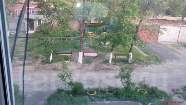 2-комнатная, улица Лермонтова 57. Трудовое, частное лицо, 38 кв.м. Вид из окна днем
