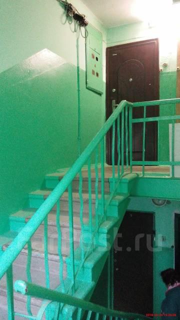 2-комнатная, улица Лермонтова 57. Трудовое, частное лицо, 38 кв.м. Подъезд внутри