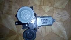 Мотор стеклоподъемника. Toyota: Corolla, Corolla Verso, WiLL Cypha, Voxy, Opa, Noah, Corolla Fielder, ist, Allex, Corolla Spacio, Corolla Runx Двигате...