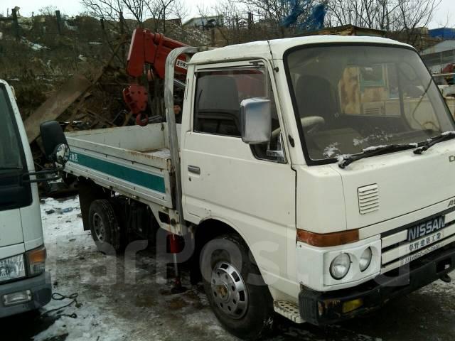 Nissan Atlas. Продам 2 тонны с КМУ 1 тонна, 3 500 куб. см., 2 000 кг.
