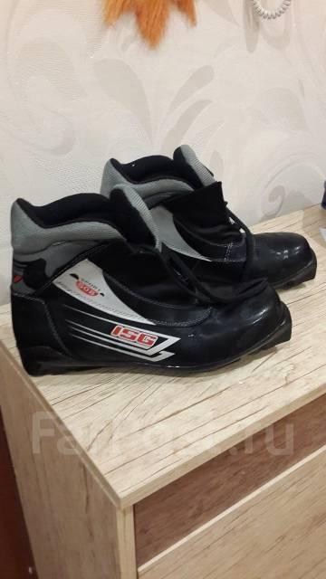 Лыжи беговые мужские и ботинки