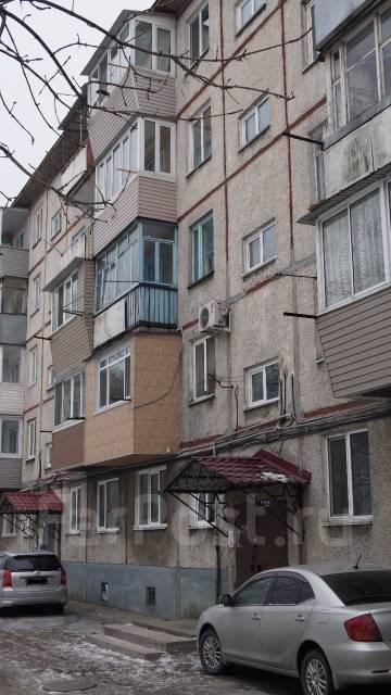 2-комнатная, улица Комарова 77. Комарова, частное лицо, 44 кв.м. Дом снаружи