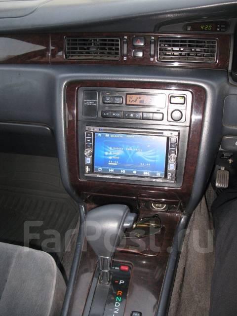 Toyota Crown. автомат, задний, 2.0 (143 л.с.), бензин