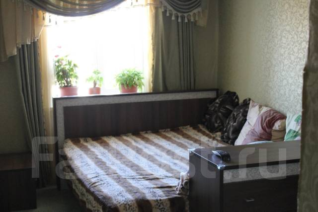 2-комнатная, улица Штабского 25. сахпоселок, частное лицо, 52 кв.м.