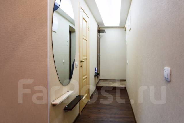 2-комнатная, улица Тургенева 62. Центральный, 45 кв.м. Прихожая