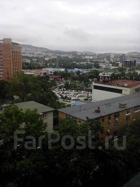 2-комнатная, улица Русская 11а. Вторая речка, частное лицо, 55 кв.м. Вид из окна днём