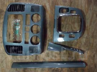 Консоль центральная. Suzuki Escudo, TL52W Двигатель J20A