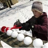 Снежколеп - специальное устройство для лепки снежков