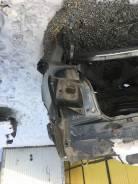 Задняя часть автомобиля. Lexus LS460L