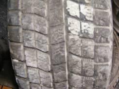 Bridgestone Blizzak Revo1. Зимние, без шипов, 2002 год, износ: 40%, 2 шт