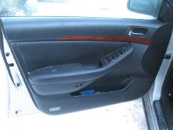 Накладка ручки внутренней Toyota Avensis