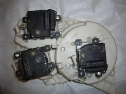 Мотор заслонки отопителя. Toyota Land Cruiser, J200 Двигатель 3URFE