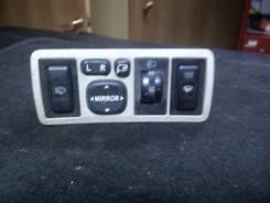Кнопка включения обогрева. Toyota Avensis, AZT255, ZZT251, AZT250, ADT251, AZT251, ADT250, CDT250, ZZT250 Двигатели: 2AZFSE, 1ZZFE, 1CDFTV, 1AZFE, 3ZZ...