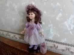 Фарфоровая коллекционная кукла, ростом 35 см. Оригинал