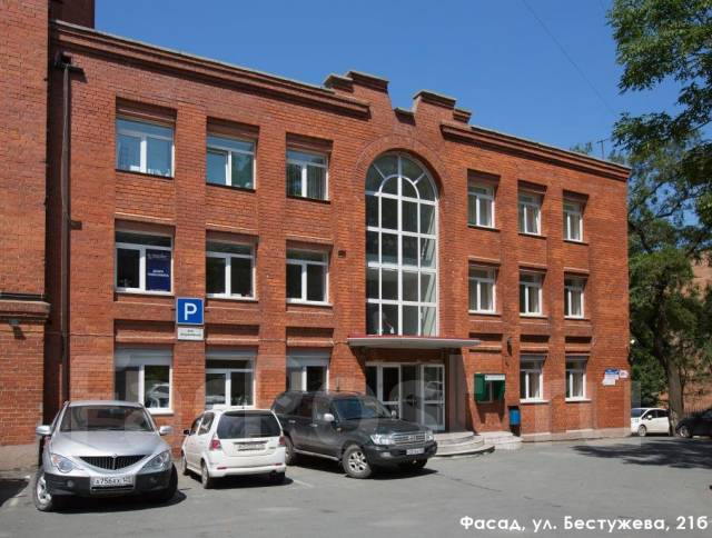 Идеальное офисное здание с парковкой в аренду до 1500 м2. 300 кв.м., улица Бестужева 21б, р-н Эгершельд. Дом снаружи