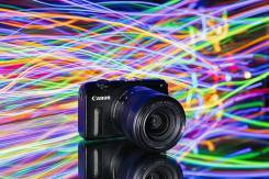 Canon EOS M2 Kit. 15 - 19.9 Мп, зум: 5х