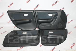 Обшивка двери. Nissan Skyline, ER33, ENR33, HR33, BCNR33, ECR33