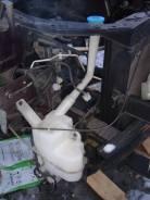 Бачок стеклоомывателя. Nissan Serena, C25, CNC25, NC25, CC25 Двигатель MR20DE