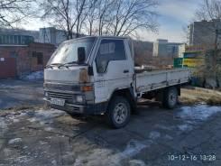 Toyota Hiace. Бортовой грузовик во Владивостоке, 2 400 куб. см., 1 500 кг.