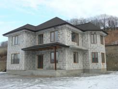 Продам дом в Южном м-не. Полярная, р-н Южный, площадь дома 200 кв.м., скважина, электричество 15 кВт, от агентства недвижимости (посредник). Дом снар...