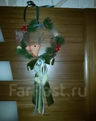 Рождественский венок на дверь. 2 300 руб.