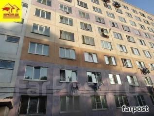 Гостинка, улица Надибаидзе 28. Чуркин, проверенное агентство, 18 кв.м. Дом снаружи