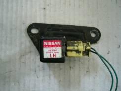 Датчик airbag. Nissan March, AK12 Двигатель CR12DE