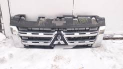 Решетка радиатора. Mitsubishi Pajero, V83W, V80, V88W, V87W