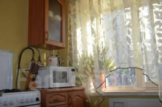 3-комнатная, Дзержинского 11. агентство, 58 кв.м.