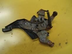 Педаль ручника. Toyota Ipsum, ACM26, ACM21, ACM21W, ACM26W Двигатель 2AZFE