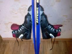 Лыжи беговые детские в комплекте ботинки. палочки. размер 36. новые.