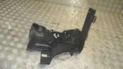 Крепление АКБ (корпус/подставка) 2005-2012 Range Rover Sport